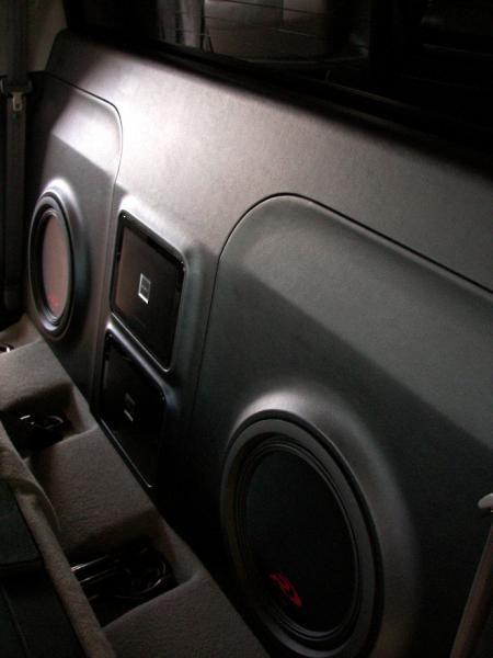 Tundra Crewmax custom Alpine and CDT Audio system pics