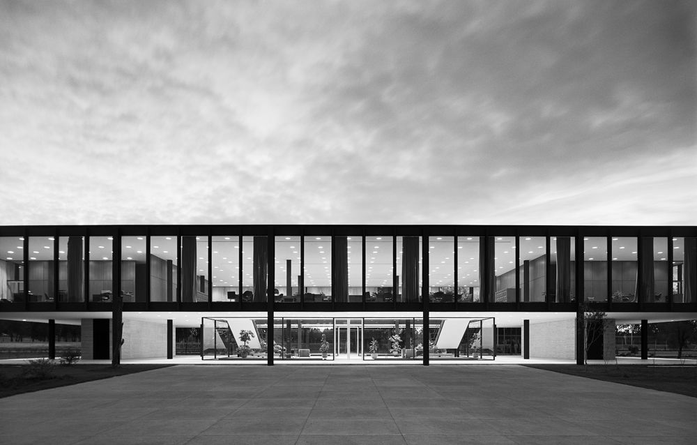 Seeing Architecture In A Different Way Architects And Artisans Architecture Van Der Rohe Mies Van Der Rohe