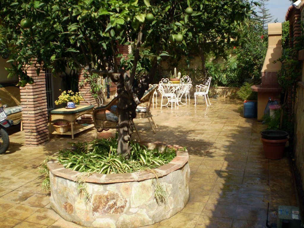 Jardines patios y terrazas jardines gardens pinterest for Patios y terrazas