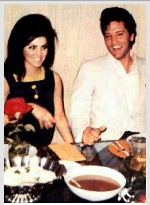 ♡♥Elvis on April 30th,1967 relaxes with Priscilla in Palm Springs,CA on the eve of their wedding♥♡
