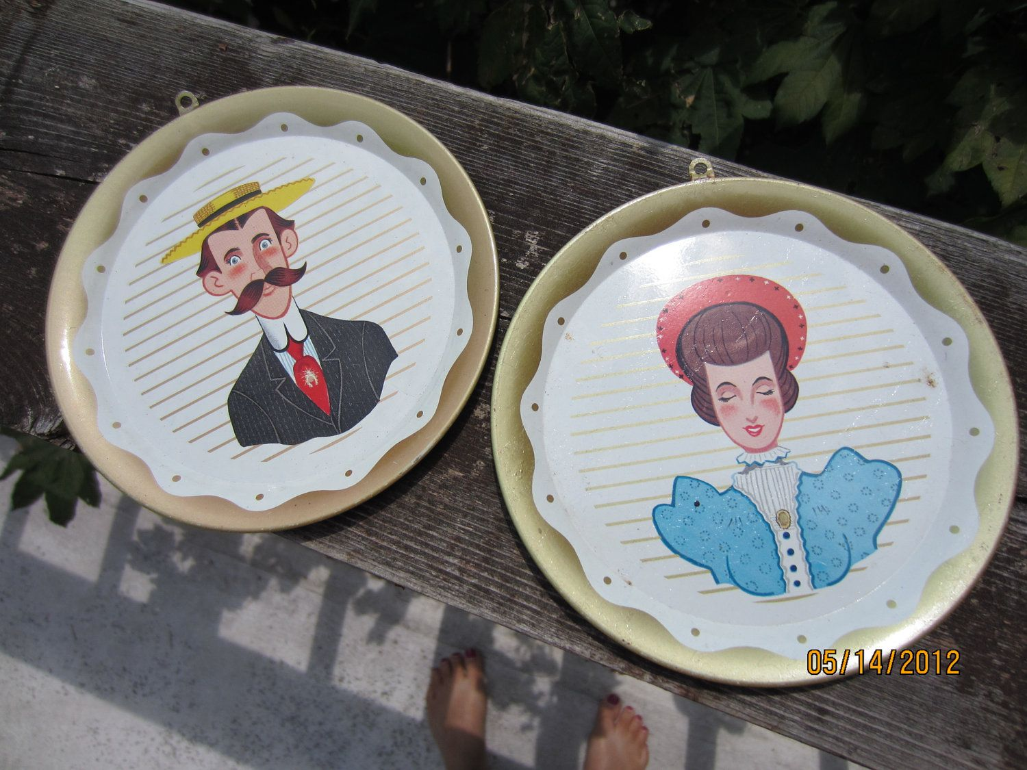 Vintage Victorian Man u0026 Woman Small Decorative Plates (made of tin) - very cute & Vintage Victorian Man u0026 Woman Small Decorative Plates (made of tin ...