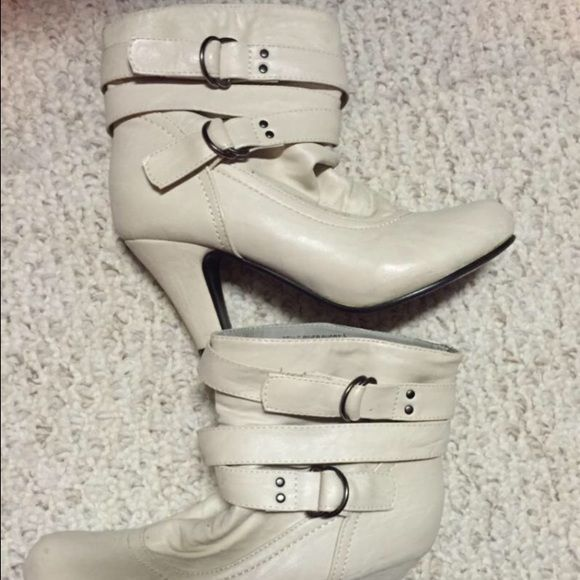 Women's boots Women's boots size (M) 7/8 - worn a few times - no shoe box included Rue 21 Shoes Ankle Boots & Booties