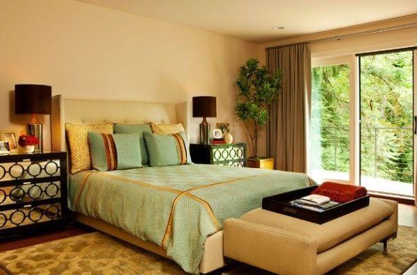 Schlafzimmer Sitzbank ~ Gepolsterte sitzbank in einem schlafzimmer schlafzimmer