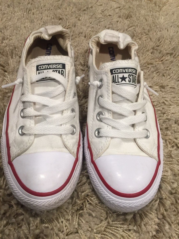 Gently used converse sneakers. Elastic