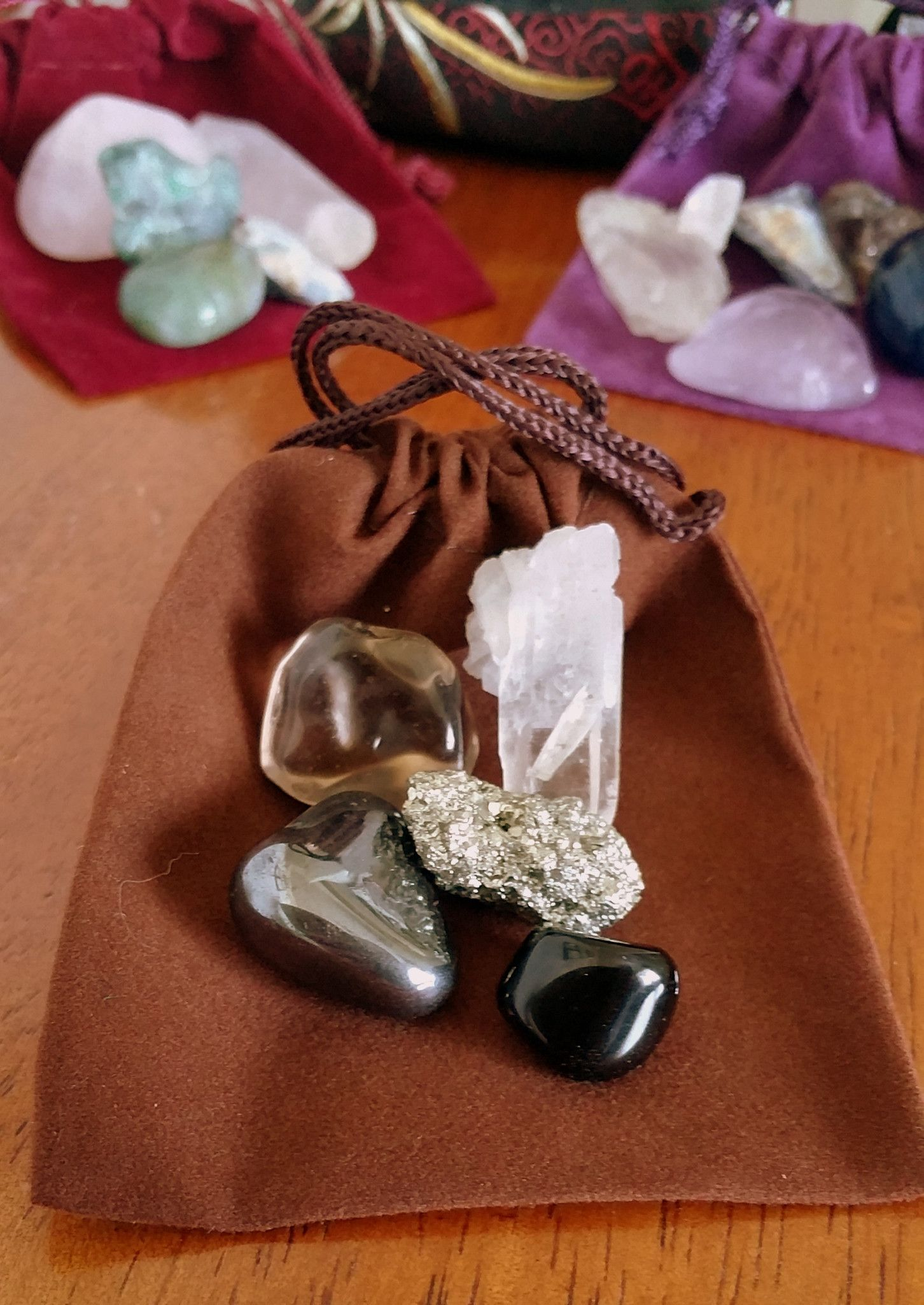 JuJu Bag: Aura Protector, Empath Special Are you sensitive to the energy of other people, situation or places? This bag supports your intention to remain grounded and calm, and resistant to outside en                                                                                                                                                      More
