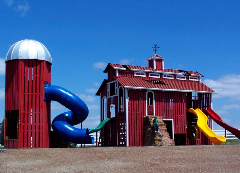 Worlds of wow themeplay barn and silo outdoor play for Barn and silo playhouse