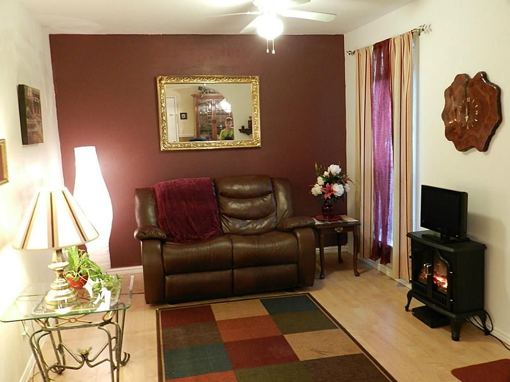 Image Result For Accent Walls With Burgundy Furniture Part 45