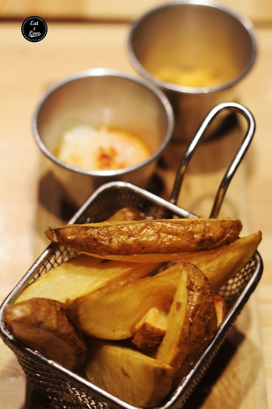 1 2 3 malasaña patatas Bar Pajarita restaurante fusión Madrid
