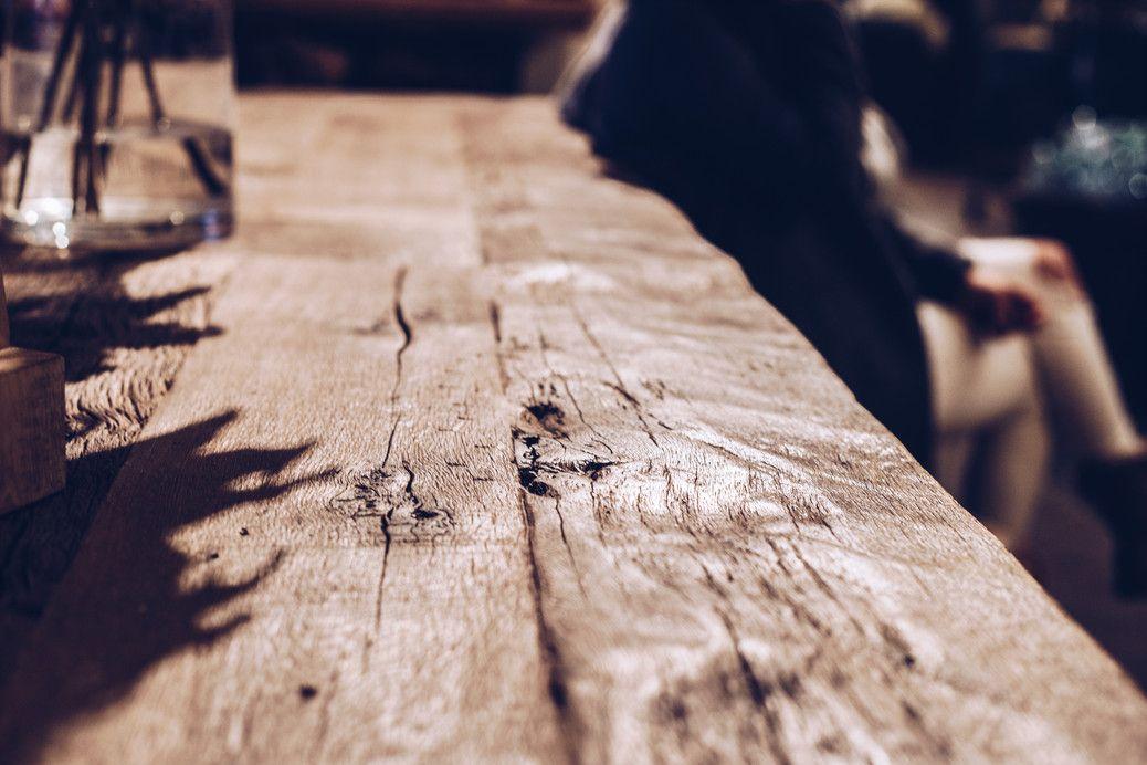 Rustic dining table -http://elahblog.com