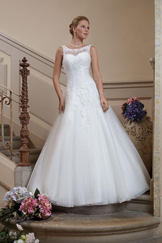 Brautkleid B1735 Amera Vera Erhaltlich Bei Avorio Vestito Bridestore And More Brautmode Kleid Hochzeit Brautkleid