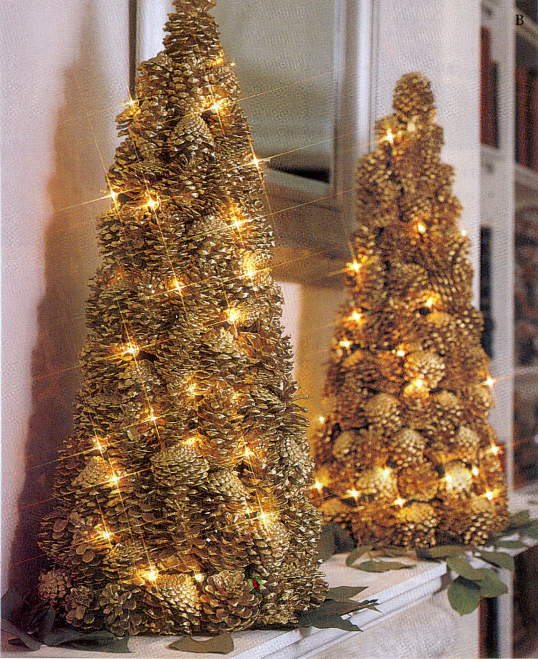 lighted pinecone trees christmas centerpieces pine cone. Black Bedroom Furniture Sets. Home Design Ideas