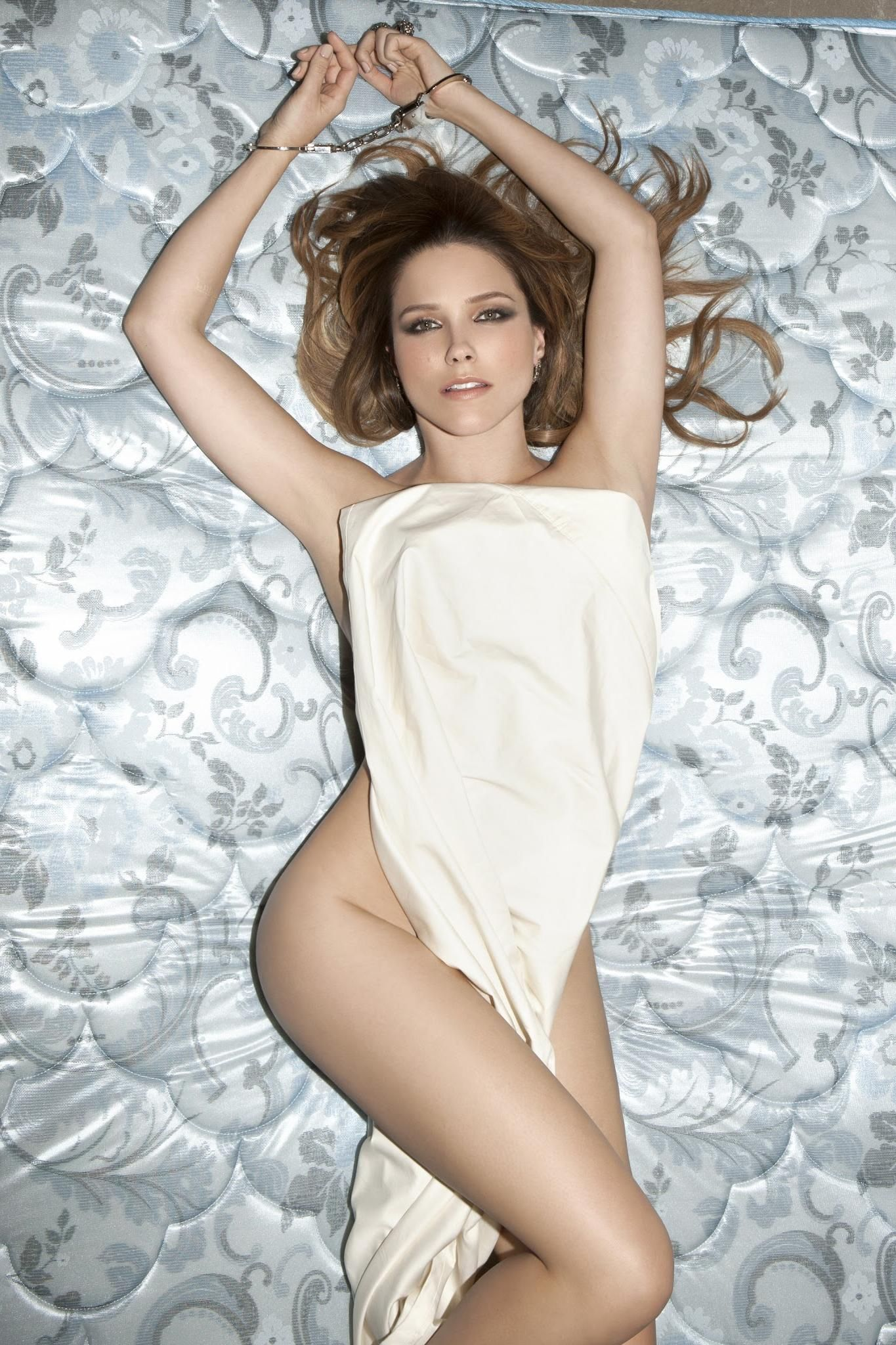 4292d84584 Sophia Bush (ಠ_ರೃ)   Beauty.   Sophia bush bikini, Sophia bush ...