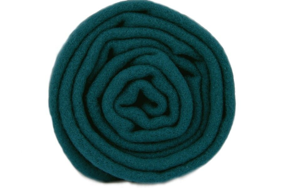 Superbe écharpe bleu canard intemporelle et indémodable.   Echarpe ... f7f0b2b64e3