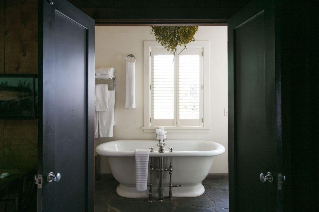 Vasca Da Bagno Zampe Di Leone : Pink bathroom accessories cories sets bathroom accessories pinterest