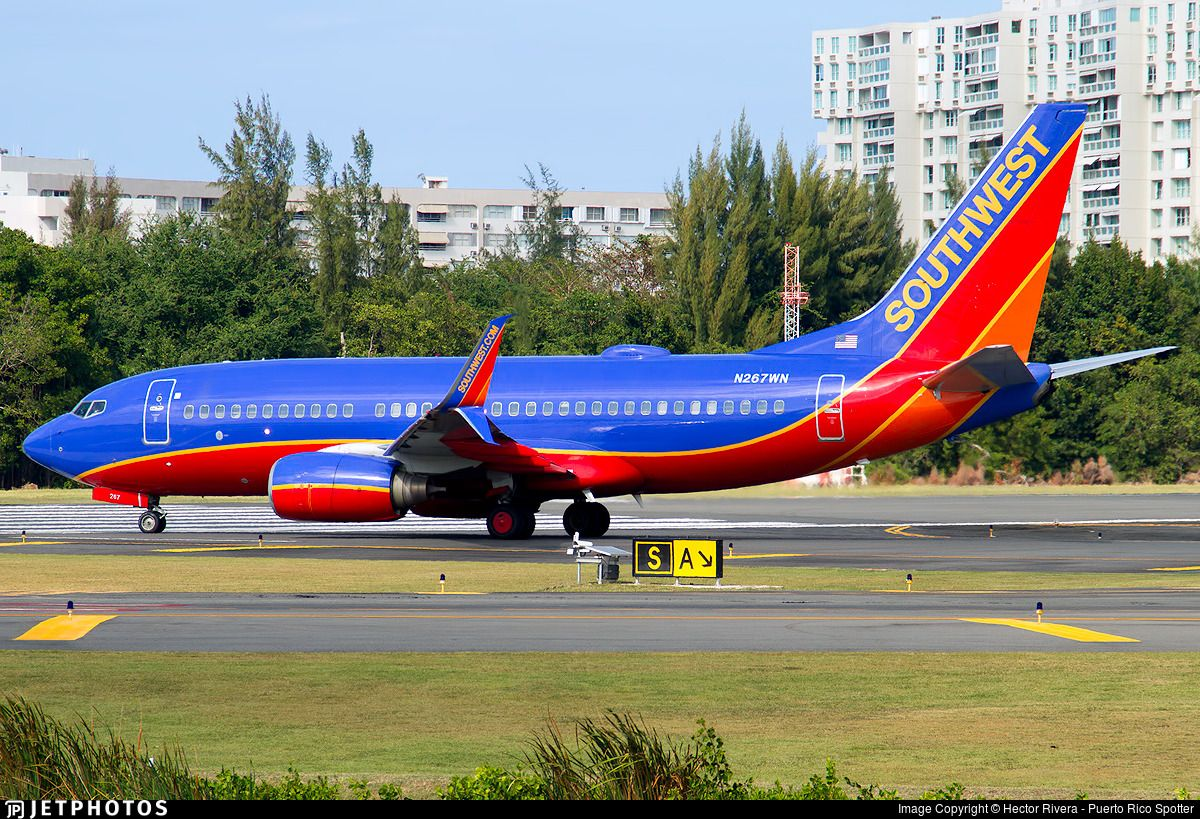 The First 737 700 Of Southwest With Split Scimitars Southwest