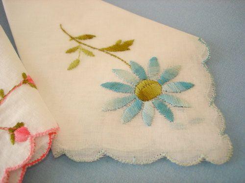 3 Vintage Embroidered Flower Hankies Handkerchief by gizmos
