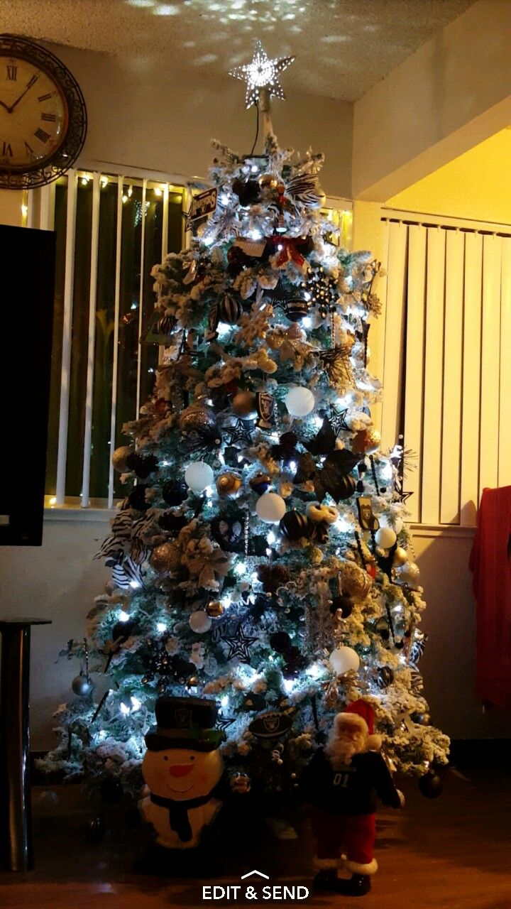 2016 Oakland Raiders Christmas Tree | Christmas trees | Pinterest ...