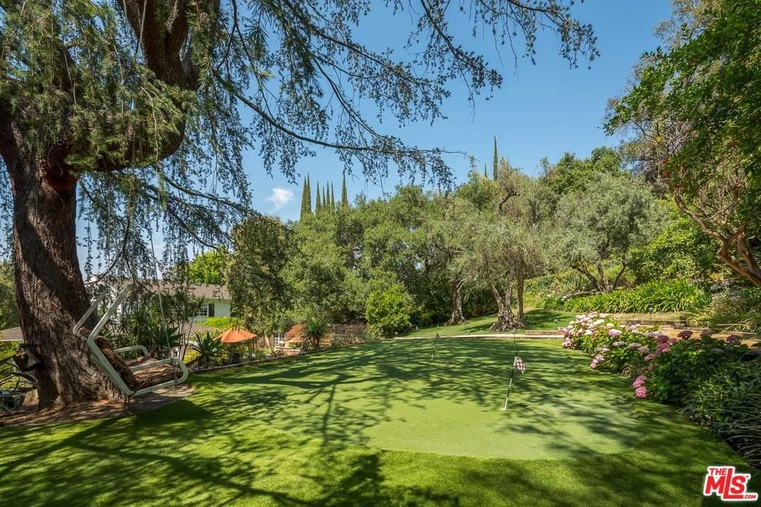 Fire Pit Front And Back Lawns And Best Of All Incredible Entertaining Spaces Amidst Abundant Greenery And Tall Trees Vista Sherman Oaks Tall Trees