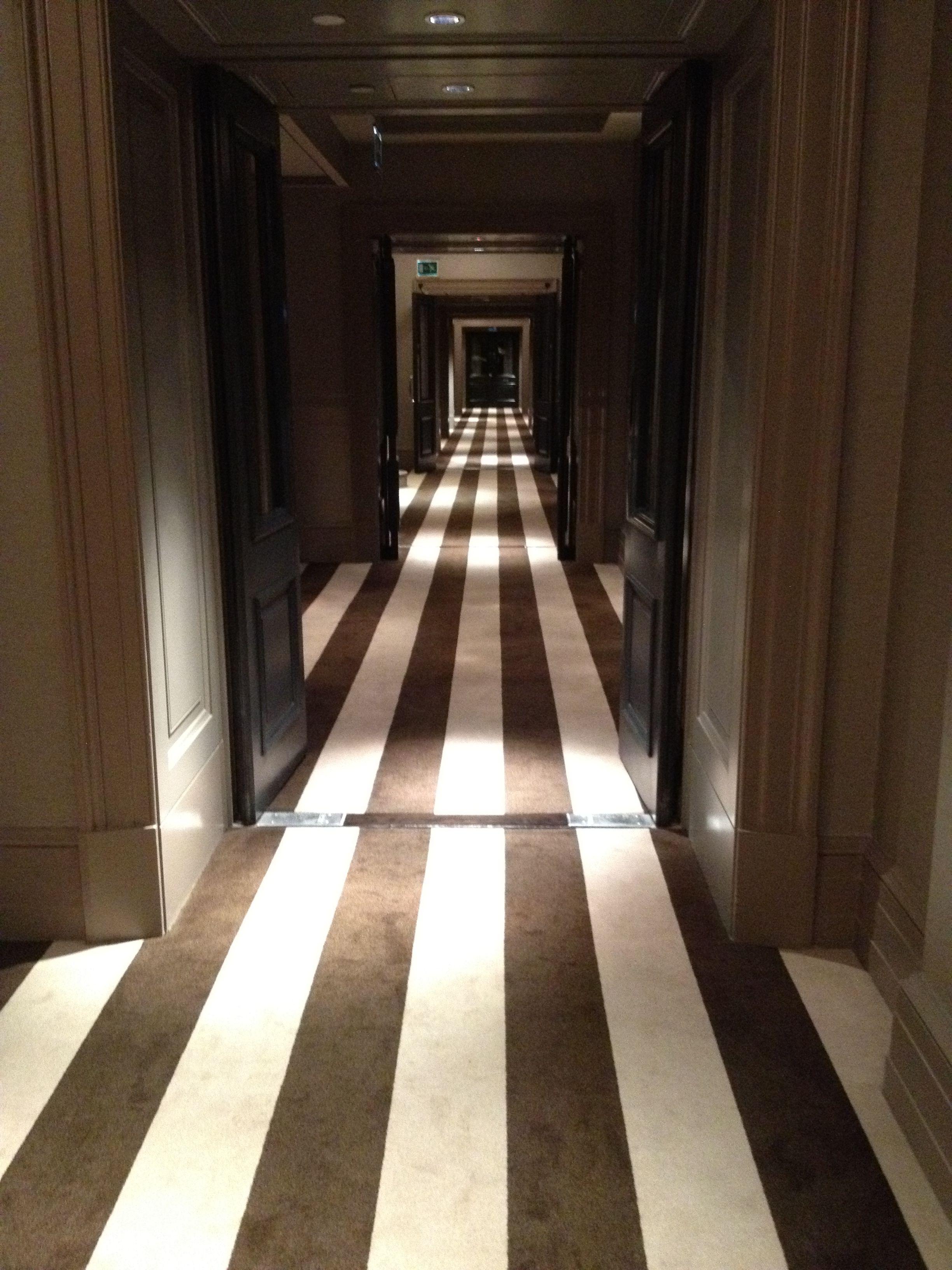 Alice In Wonderland Hallway