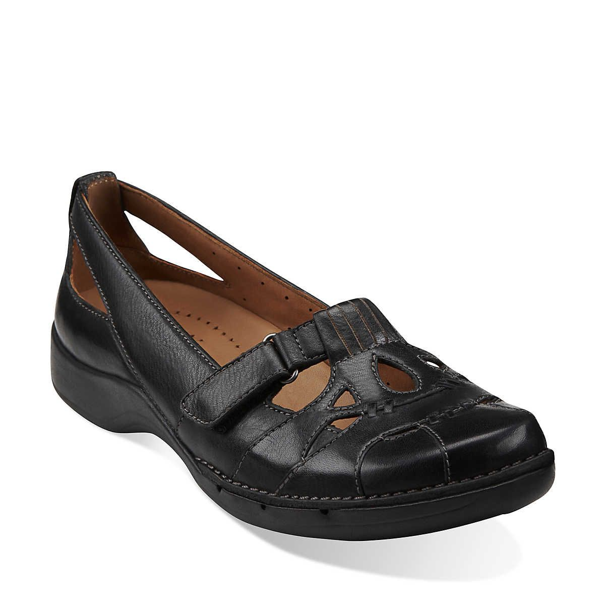 A women's casual shoe you won't want to take off. Crafted of rich