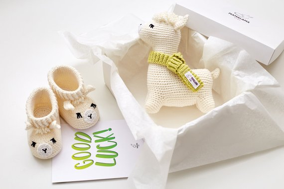 Birthday Good Luck Gift For Pregnant Friend Wife Sister Daughter Cute Expecting Baby Congrats Idea