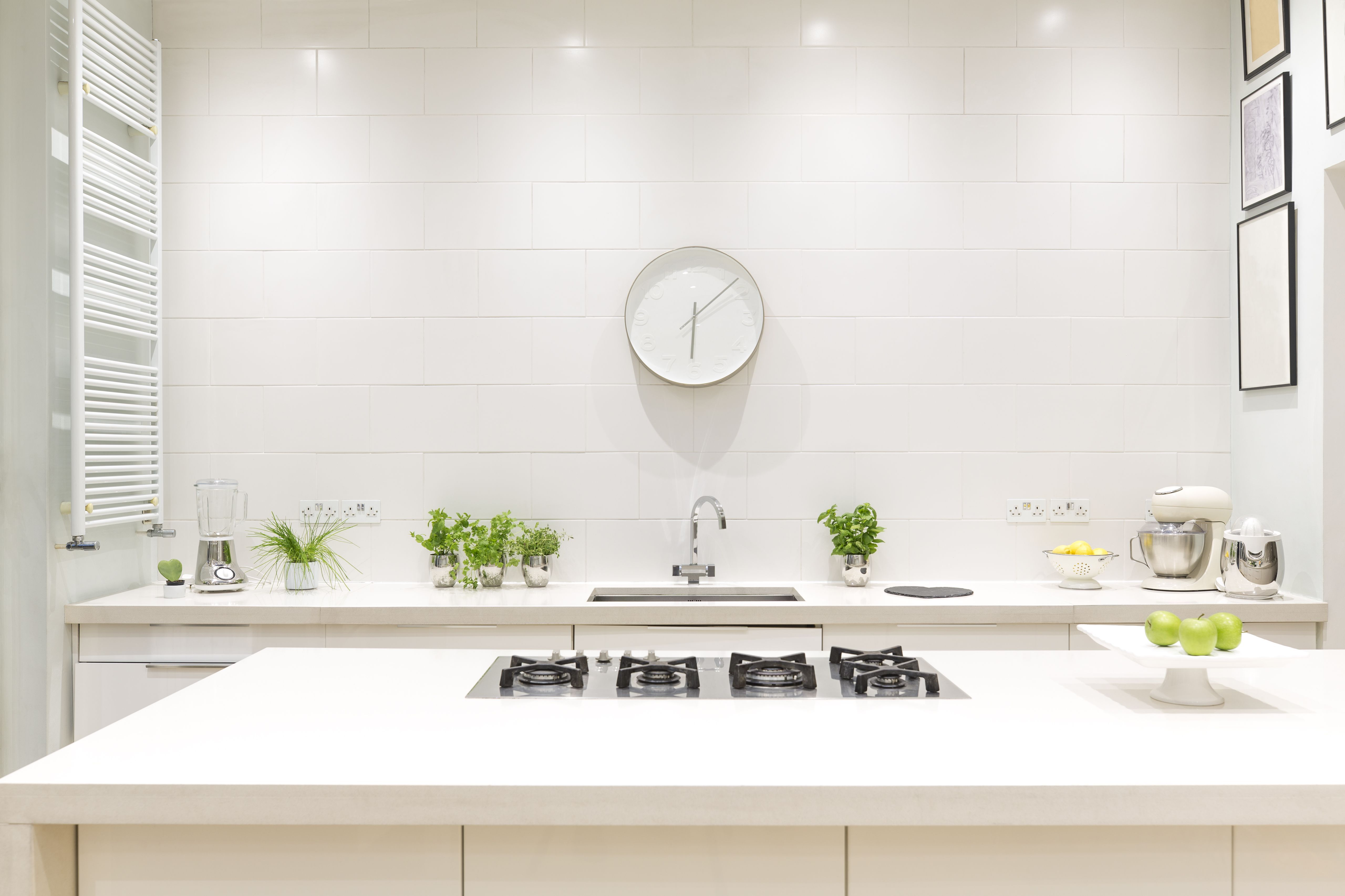 How to Choose the Best Feng Shui Colors for Your Kitchen