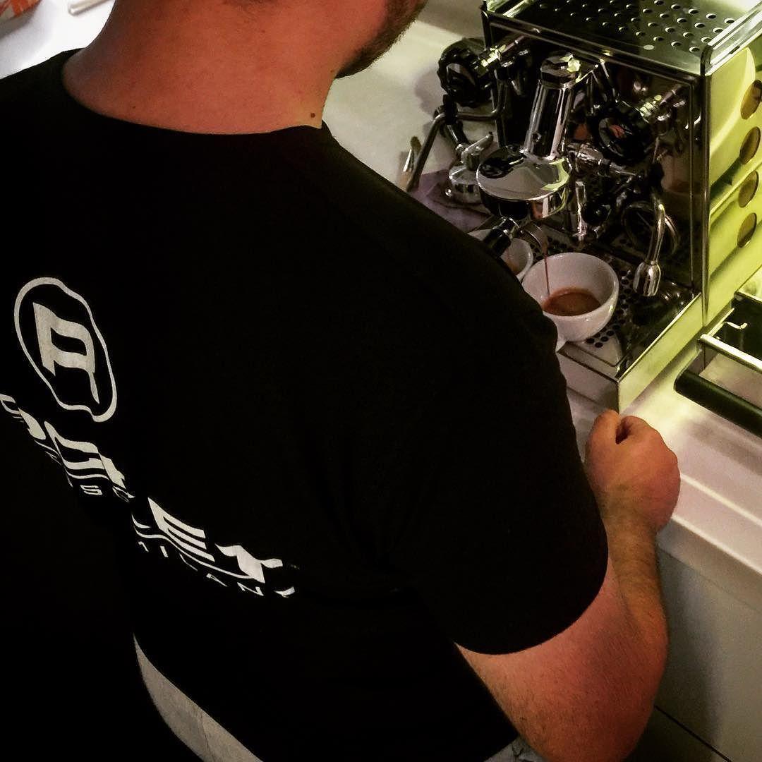 Enerji takviyesi loading energy via #rocketespresso Appartamento #HandmadeInItaly #CertifiedAuthentic #SpecialtyCoffee #InstaCoffee #twitter #espressoperfettotr