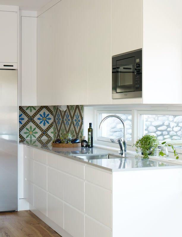 Cocina de Diseño con encimera Silestone en color Niebla. #Kitchen ...