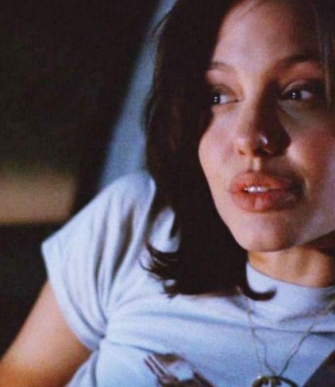 Photo of angelina jolie | Tumblr #90SCollage #90SCaricaturas #90SRopa #90SSupermodels #90…