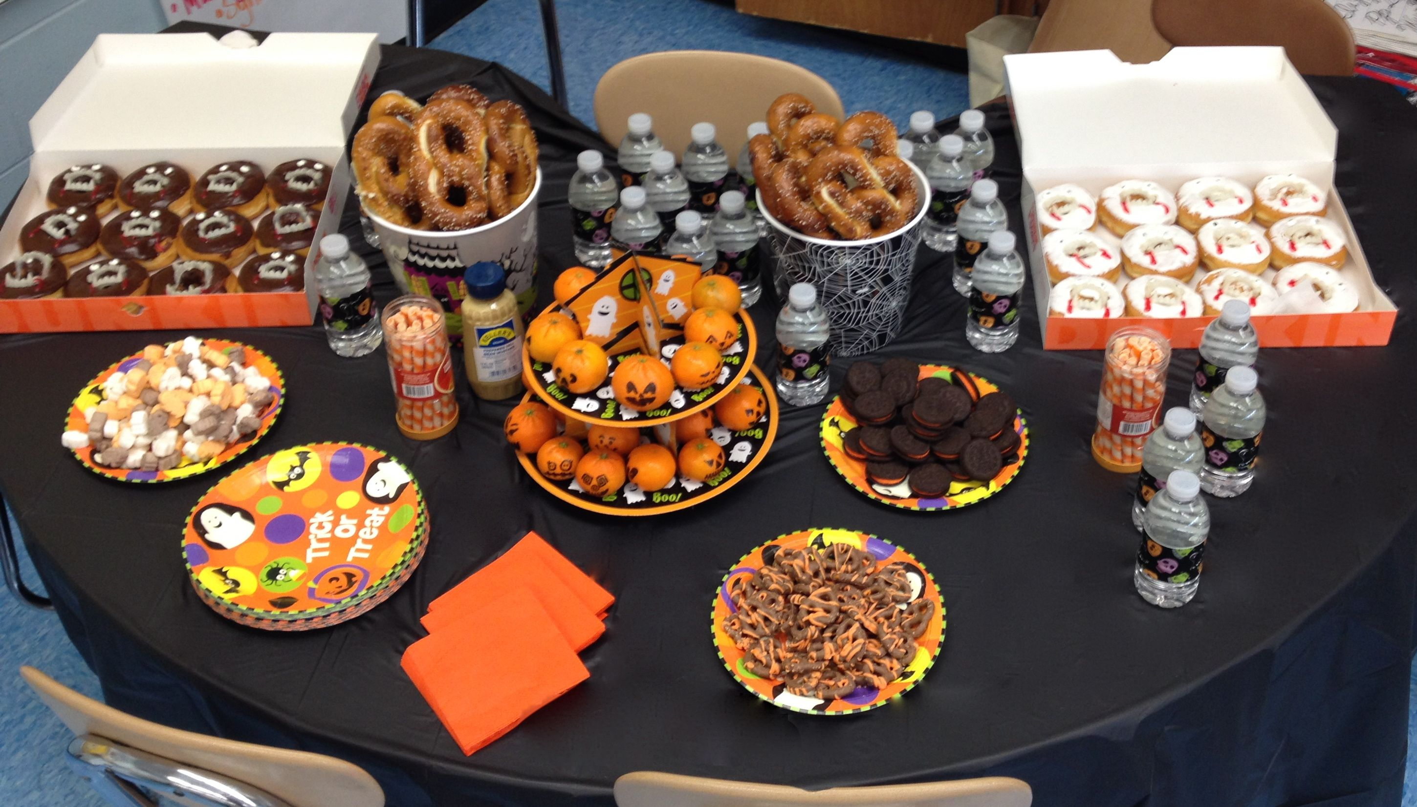 Table Set Up At My Son S 4th Grade Classroom Halloween