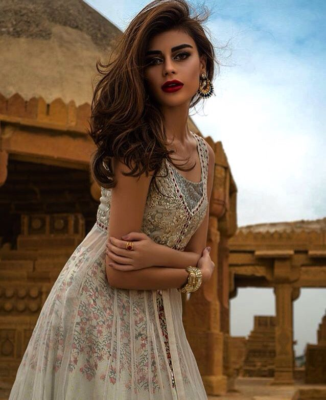 7afb45fbd8 Tena Durrani new collection ! Model :- Sadaf Kanwal | DESI ...