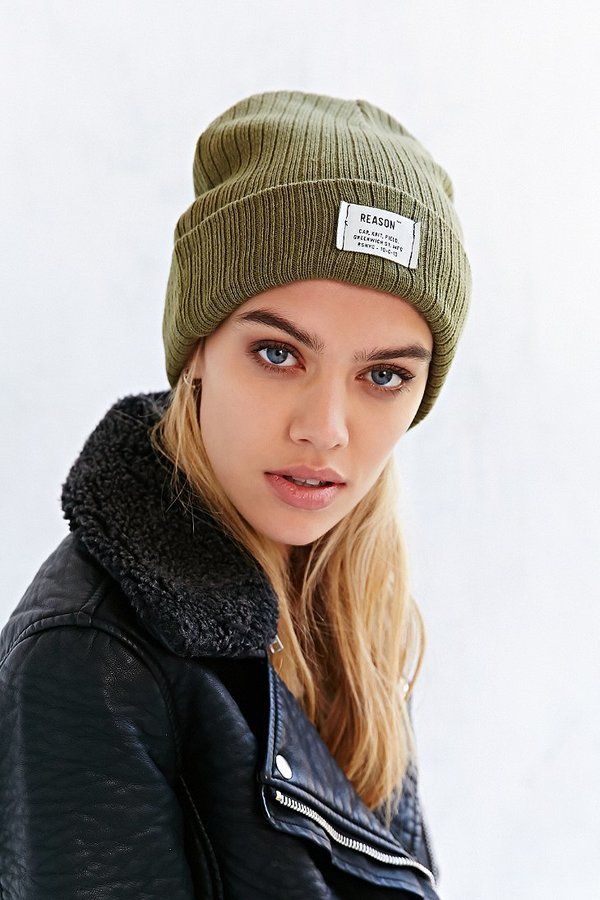 f83b342aa Pin by Lookastic on Beanies & Hats | Knit beanie, Beanie outfit ...