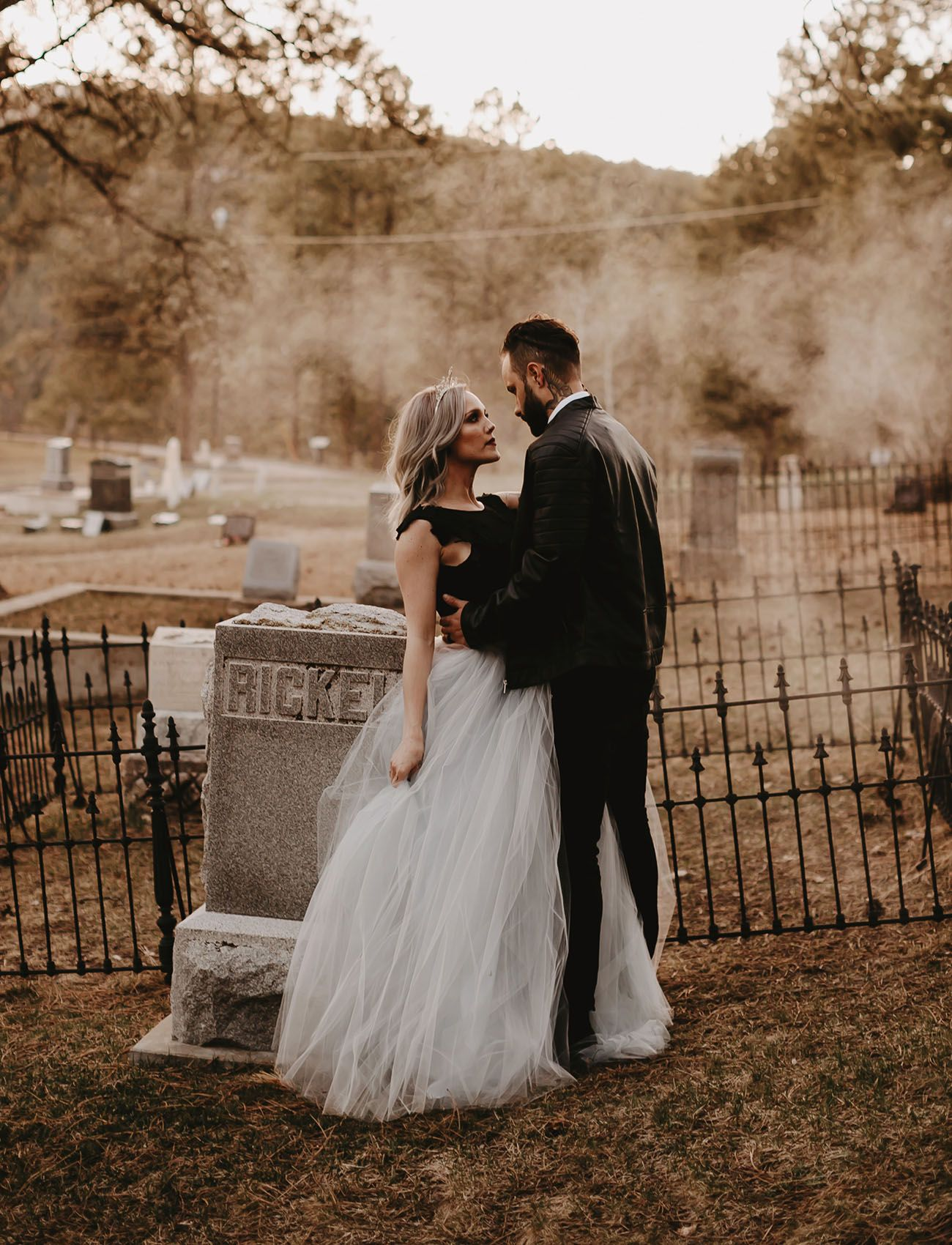 Historic Cemetery Vintage Details This Wedding Inspiration Is Downright Chilling Green Wedding Shoes Funny Wedding Photography Haunted Wedding Wedding Beauty