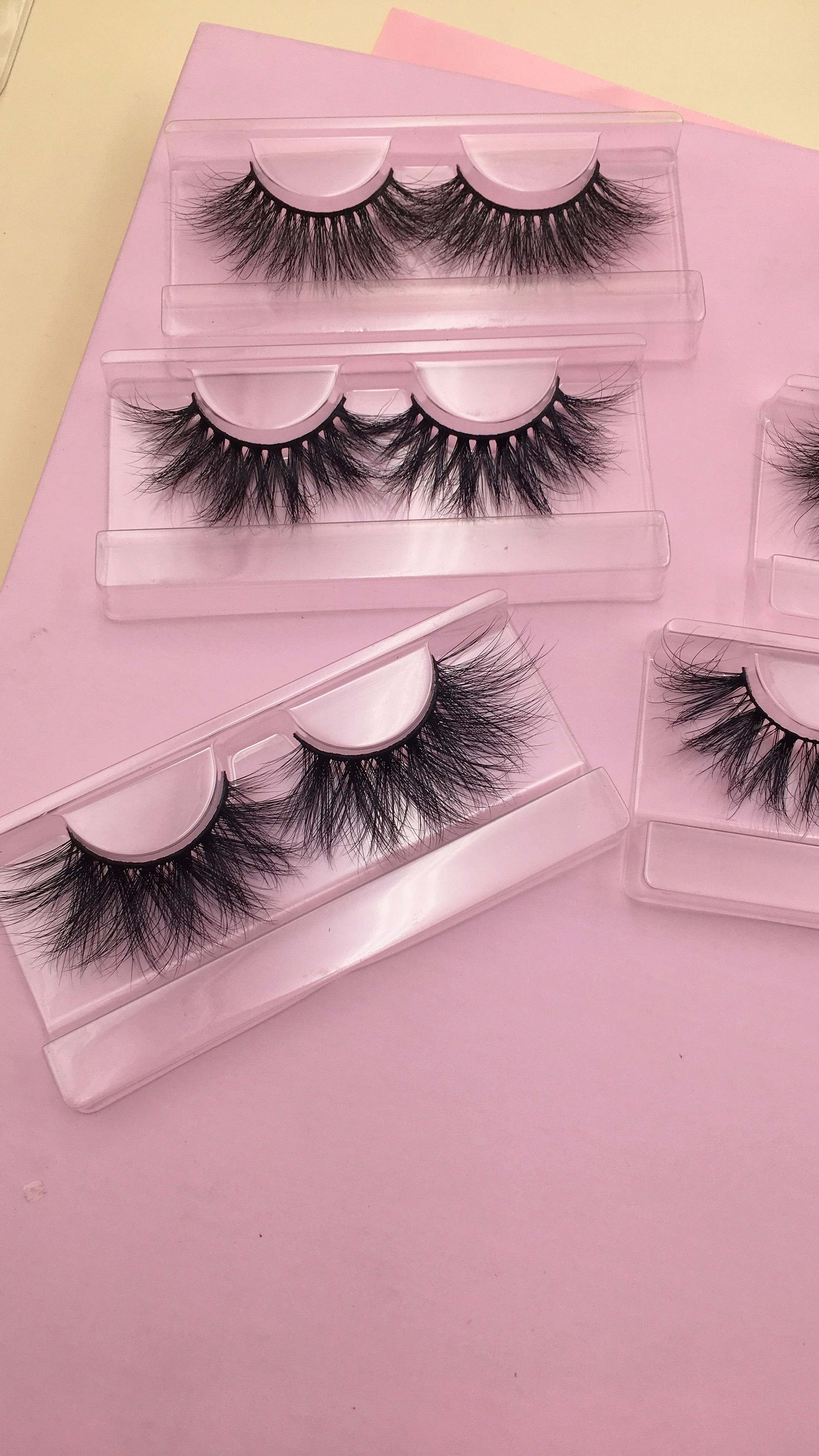 We supply different kind of 3d mink lashes, 3d silk lashes
