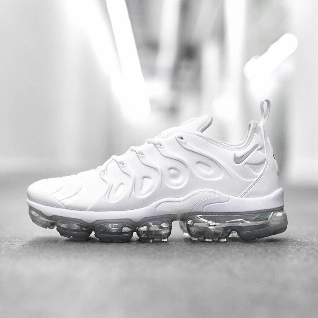Nike Air VaporMax x Plus 'Essential