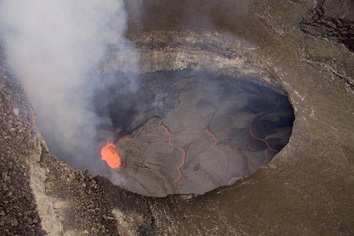 Video Kilauea Volcano S Halemaumau Crater Lava Lake Rising To Highest Ever Levels Hawaii Volcanoes National Park Volcano National Park Kilauea