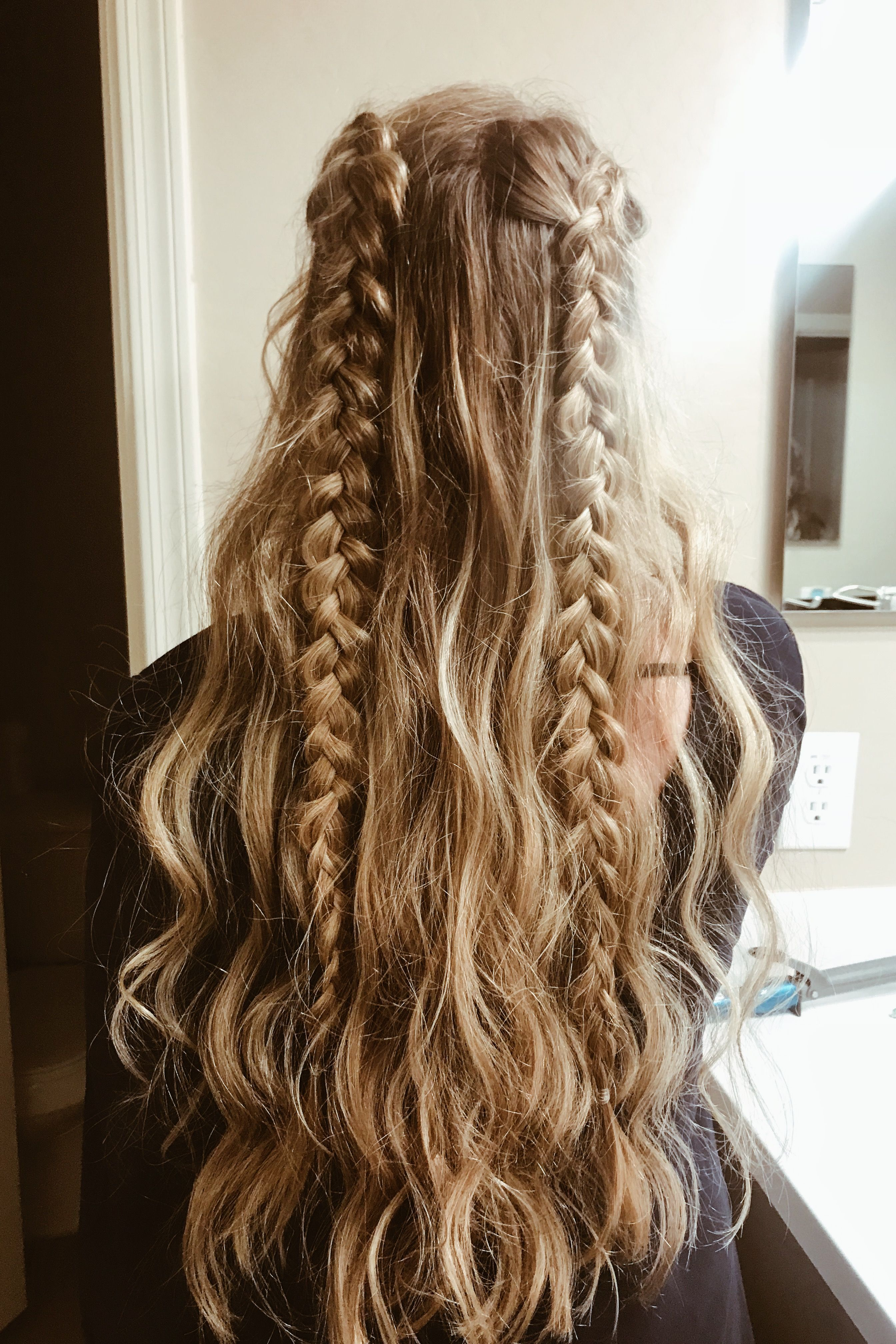 Haar Ideen und Frisuren, die einfach und süß sind. einfach