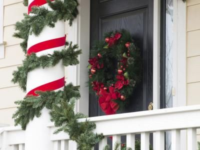 how to decorate columns for christmas