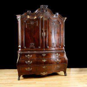 18th Century Dutch Rococo Bombe Kast/ Linen Press in Mahogany