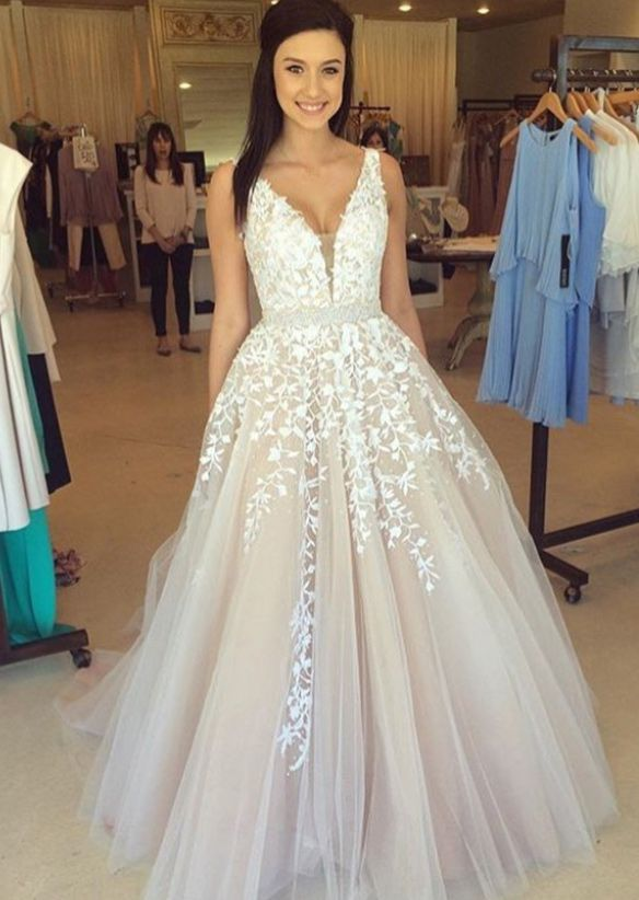 A-Line V-Neck Champagne Tulle Prom Dress with Beading Appliques ...
