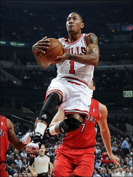 c77eb80a669 Welcome back D Rose!