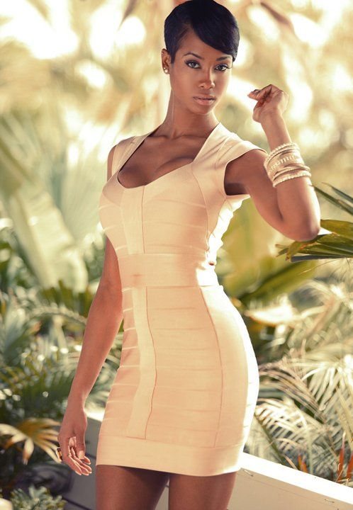 which is complementing which?!? dress or body?! Dang!!!!