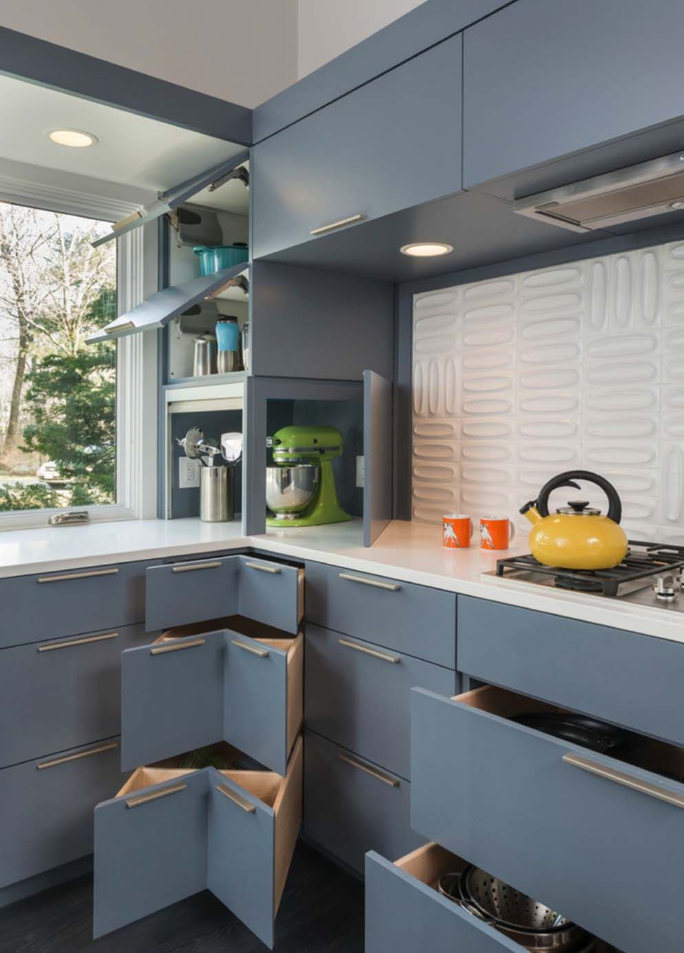 Best Mid Century Modern Remodel In Massachusetts Opens To The 400 x 300