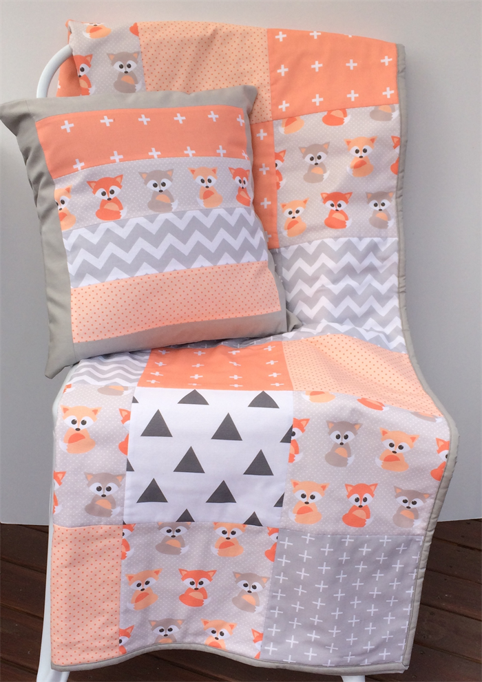 Patchwork Cot Quilt w/ Peach Baby Foxes and Gray patterns | Quilts ... : cot patchwork quilt patterns - Adamdwight.com