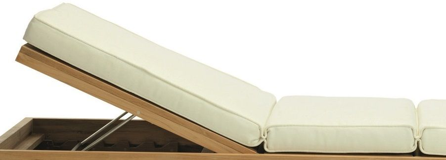 Essenza lounge bed madrass - Ivory från Ethimo hos ConfidentLiving.se