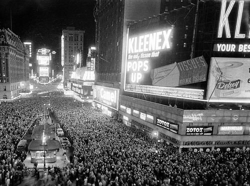 Times Square New Years Eve 1950s New Year S Eve Times Square