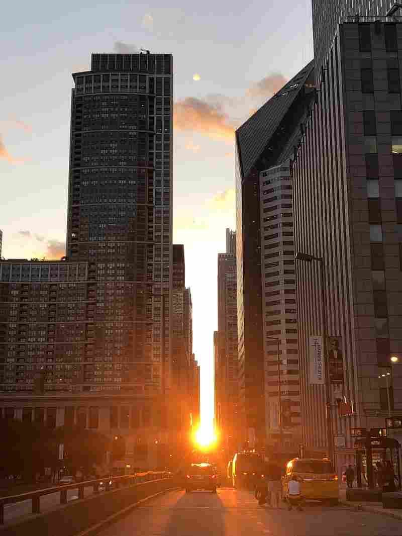 The Solar Spectacle That Is Chicagohenge Chicago Street Downtown Chicago Stonehenge