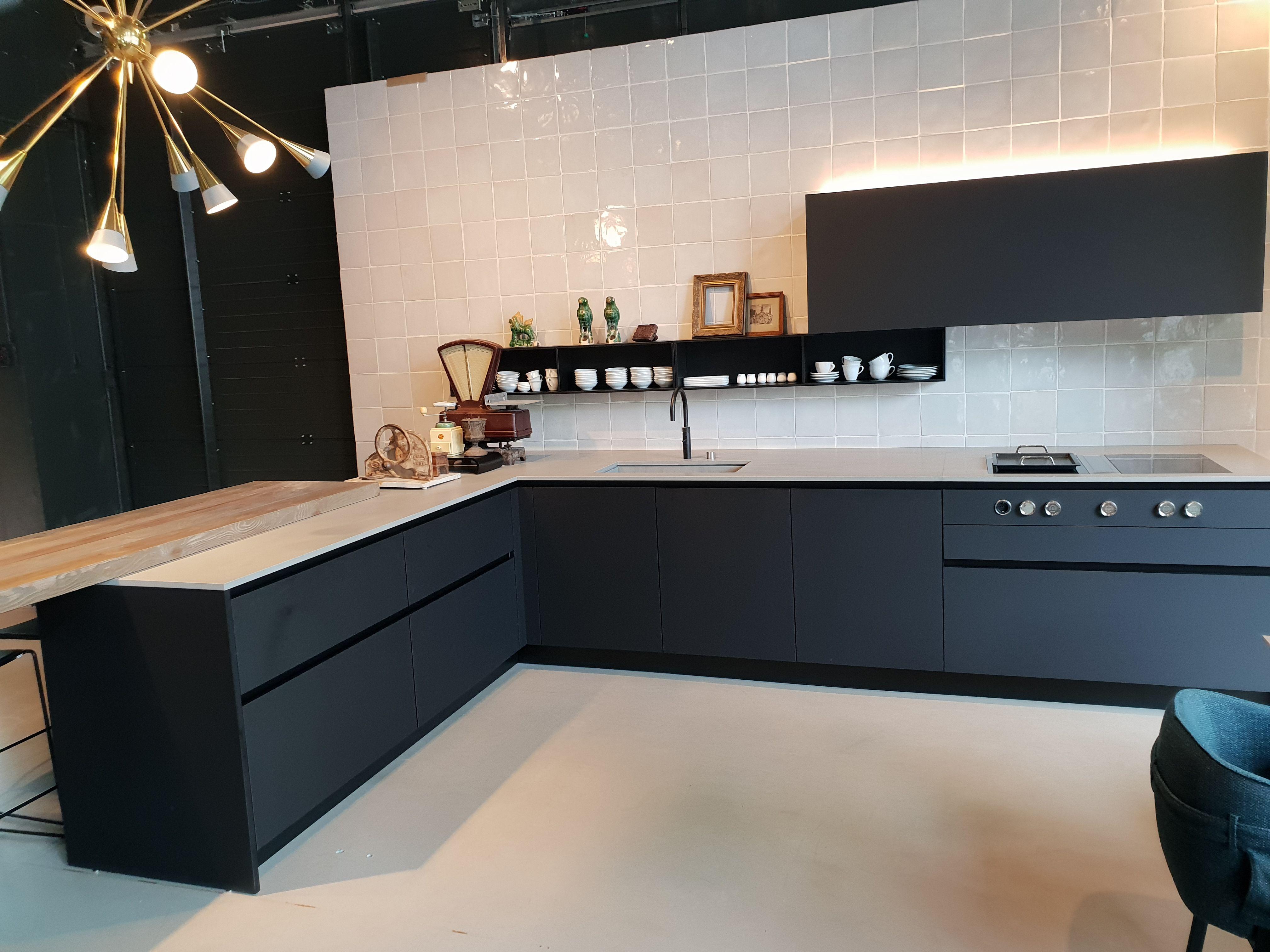 Strak Keuken Tegels : Optie boffi keuken. mooi strak stoer makkelijk in gebruik. met