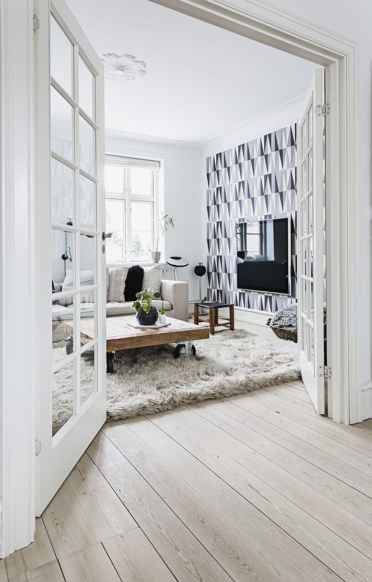 Thuis bij Betina Stampe   Neutral tones, Interiors and House