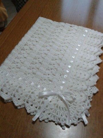 Te mostramos diseños modernos y hermosos de cobijas tejidas a gancho para  bebe 6841de7165e